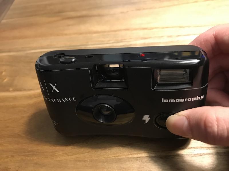 lomography(ロモグラフィー)「Simple Use Film Camera」のフラッシュ撮影