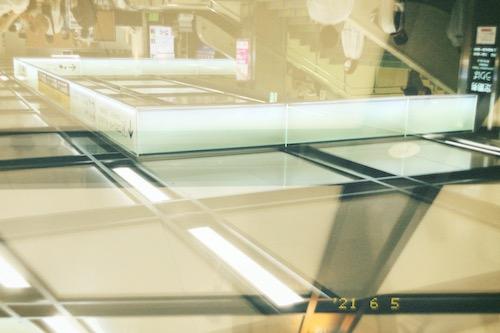 「EE35 フィルムカメラ」のエモい多重露光写真作例 02