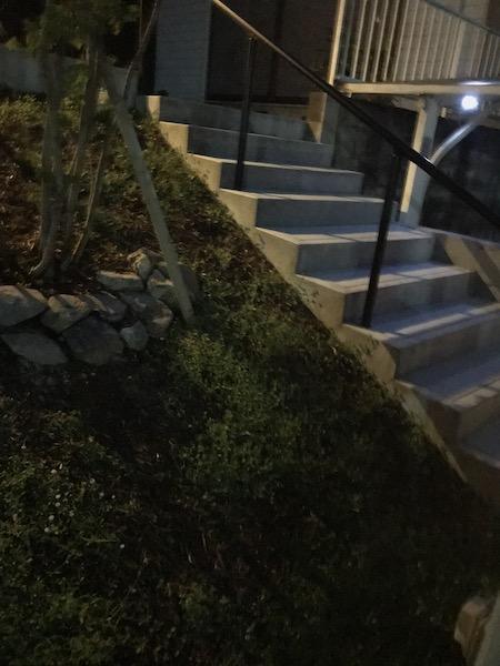 階段アプローチ:埋め込みタイプのソーラーライトなし